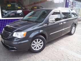 Chrysler Town & Country 3.6 Limited 2011 Preta Autom Top