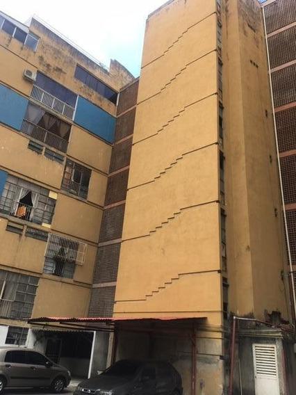 20-10041 Apartamento En Cna Bello Monte Yanet 0414-0195648