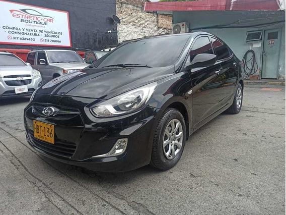 Hyundai I25 Accent Gl 2013