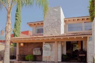 Residencia En Venta Arquitectura Armoniosa, Villas Del Mesón Juriquilla