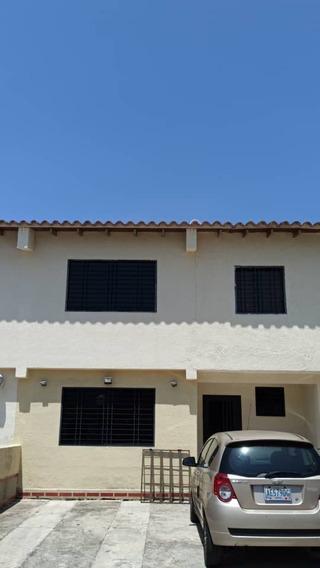 Town House En Res. Villas Monterey, El Remanzo. Foth-151