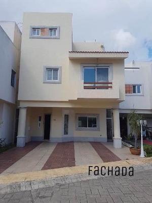 Magnifica Casa,venta, Cancún