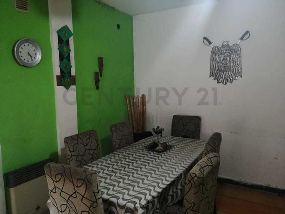 Venta Casa 4 Ambientes En Villa Celina