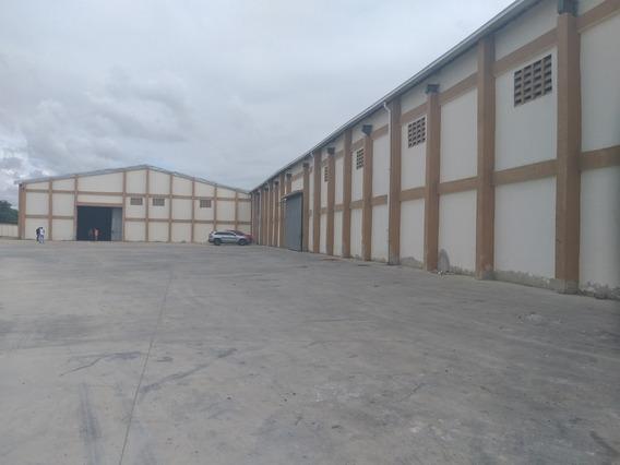 Alquilo Naves Industriales Complejo Cerrado Zona Ind. Haina