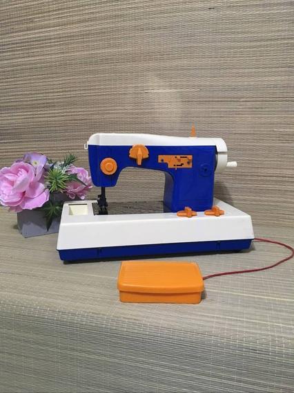 Mini Máquina De Costura Brinquedo Antigo Da Estrela Susi