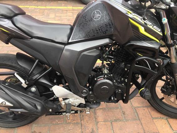 Motocicleta Yamaha Fz 2.0 Modelo 2018 En Perfecto Estado
