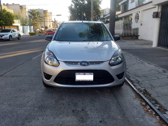 Ford Fiesta Ikon (2012) Impecable