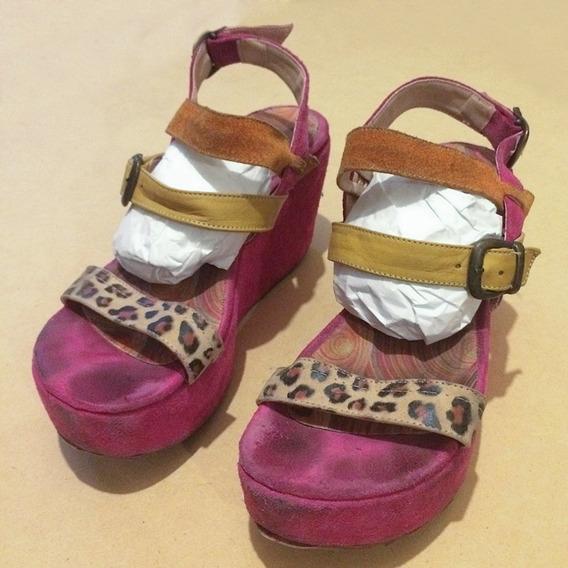 Sandalias Con Plataforma De Gamuza Y Cuero Marca Toops N 38