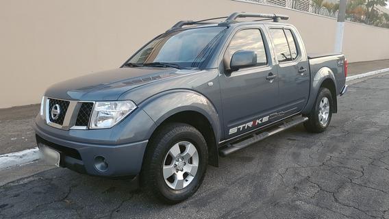 Nissan Frontier 2.5 Strike Cab. Dupla 4x4 4p 2011