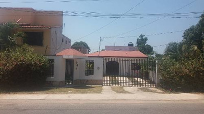 Venta De Casa Cerca De Tabasco 2000, Camino A Bosque De Saloya