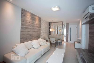 Apartamento No 11º Andar Mobiliado Com 2 Dormitórios E 1 Garagem - Id: 892930338 - 230338