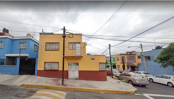 Ventaja De Inversion Preciosa Casa De Remate Bancario