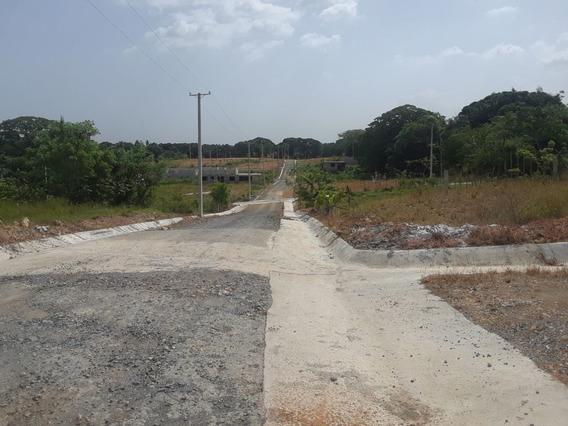 Solar Residencial De 157 Mts En Proyecto A Borde De La Calle