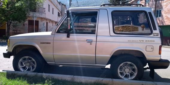Montero Mitsubishi, Modelo 1987, V6 2600, 4x4,6 Pasajeros