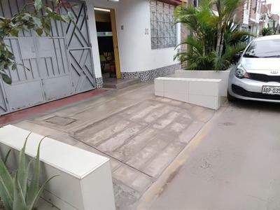 Venta De Casa En San Martin De Porres,limite Con Los Olivos