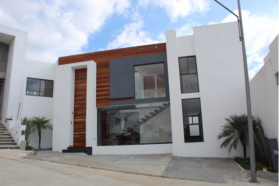 Vendo Residencia Con 4 Recamaras En Altozano Morelia