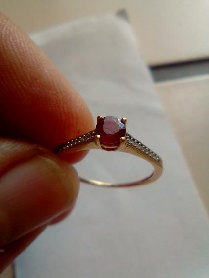 Anel Em Ouro 18 Com Pedra Rubi E Diamantes