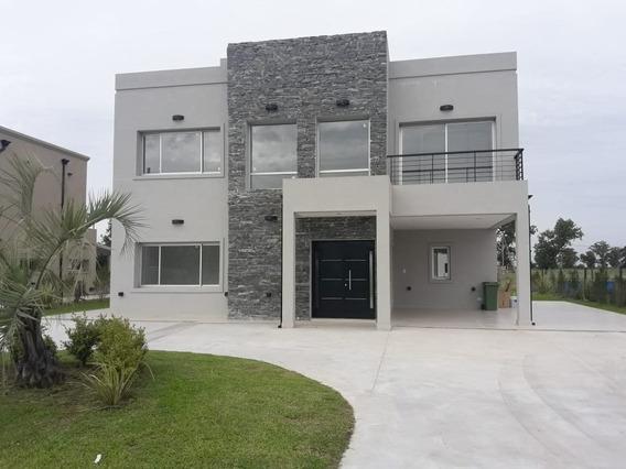 Hermosa Casa En Lagos De Canning Con 4 Dormitorios