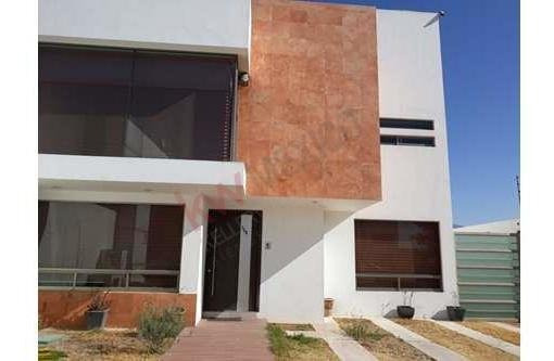 Casa En Renta $37,000 En Residencial La Excelencia, Pachuca, Hidalgo.