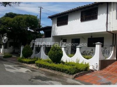 Vendo Casa En Laureles El Nogal Hermosa