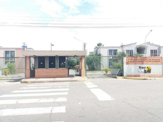 Town House En Tejados De San Isidro