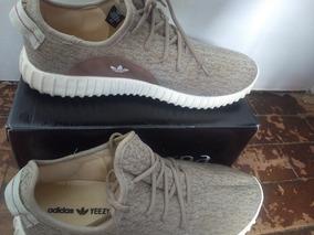 Tênis adidas Yeezy 350 Boost