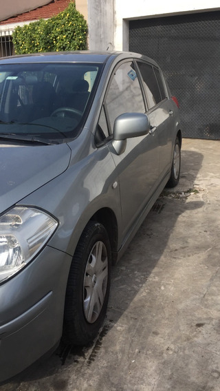Nissan Tiida 1.8 6mt Visia