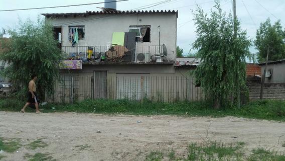 Casa 5 Amb. En Dos Plantas Para 2 Familias 3 Baños Buen Est.