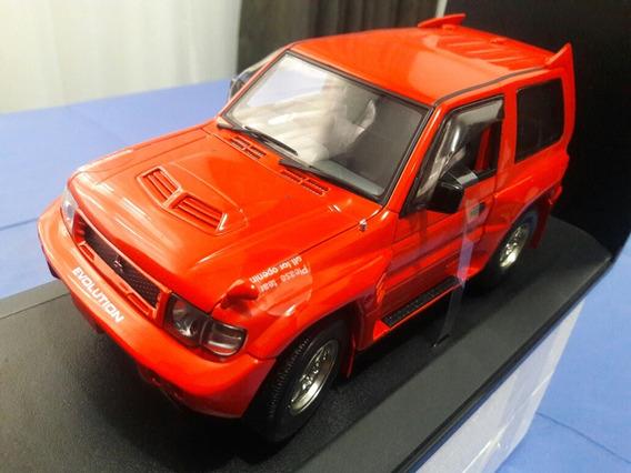 Autoart 1:18 Mitsubishi Pajero Evo
