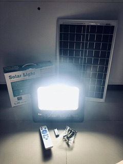 Lámpara Led De 60 Watts Con Panel Solar
