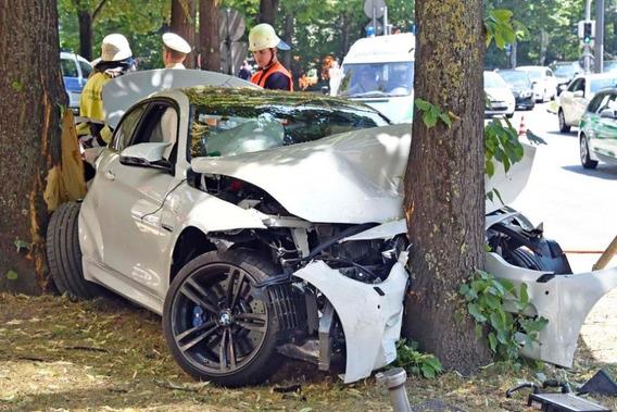 Auto Compro Chocado 116 118 M3 Vw Audi Toyo Bmw 135 335