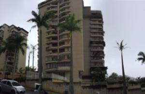 20-7708 Hermoso Apartamento En Terrazas Del Avila