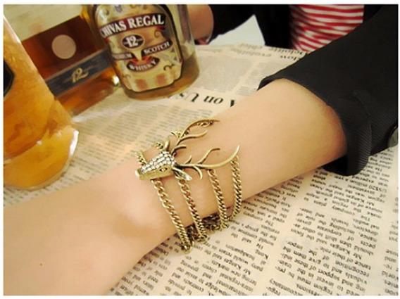 Bracelete Cervo Veado Metal Ouro Velho Pulseira Vintage