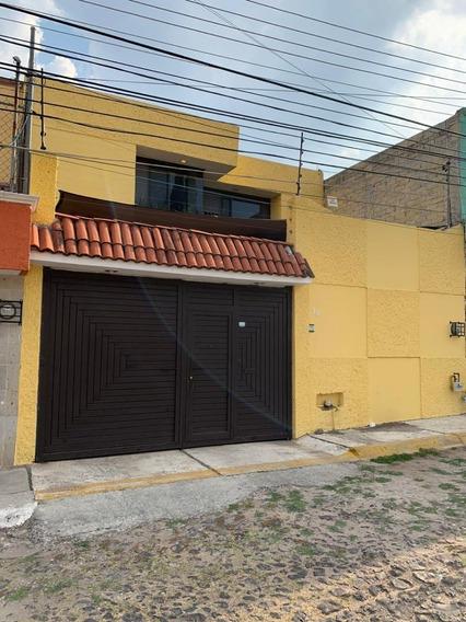 Casa Con Excelente Ubicación En Las Hadas, Querétaro