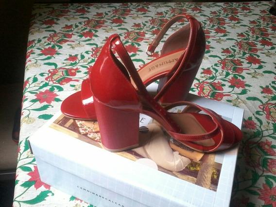 Sandália Vermelha Marca Camminare