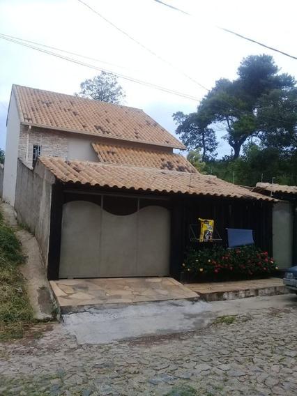 Linda Casa Rústica, Com Uma Arquitetura Diferenciada, Estilo Colonial!! Um Modelo Diferenciado Dentro Da Cidade E Com Ótimo Preço!! - 4164
