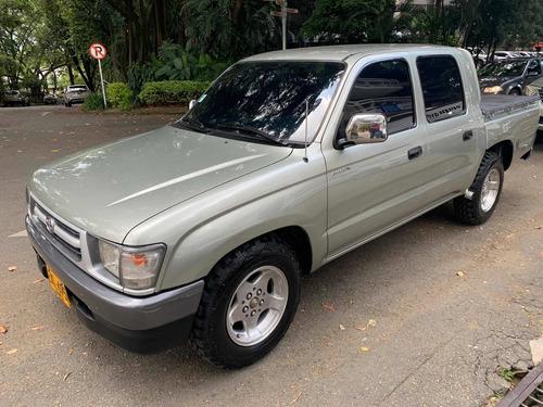 Toyota Hilux 2002 2.4l 4x2