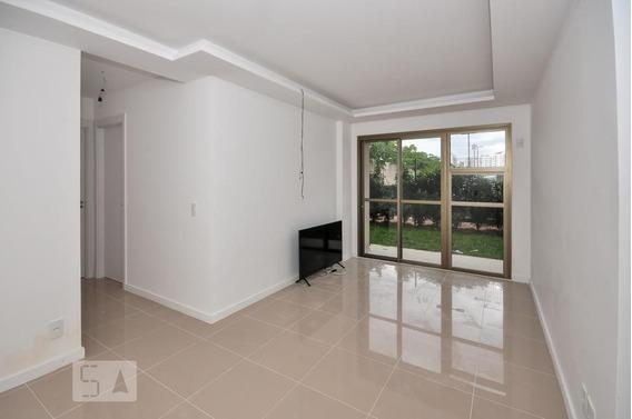 Apartamento No 1º Andar Com 2 Dormitórios E 1 Garagem - Id: 892949982 - 249982