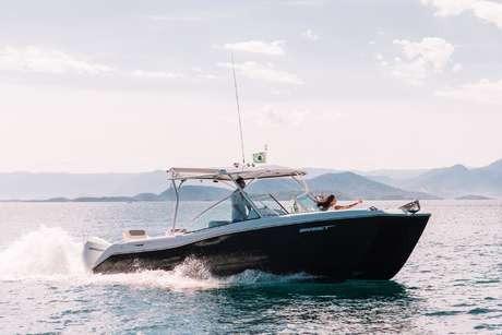 Imagem 1 de 14 de Catamarã Garnet Offshore 270 Dual Console