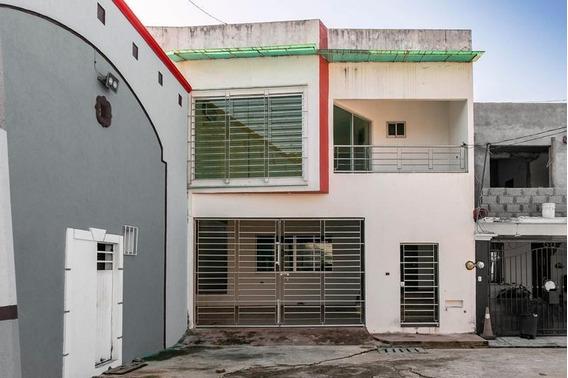 Casa En Venta En Villa Los Arcos, Zona Alta
