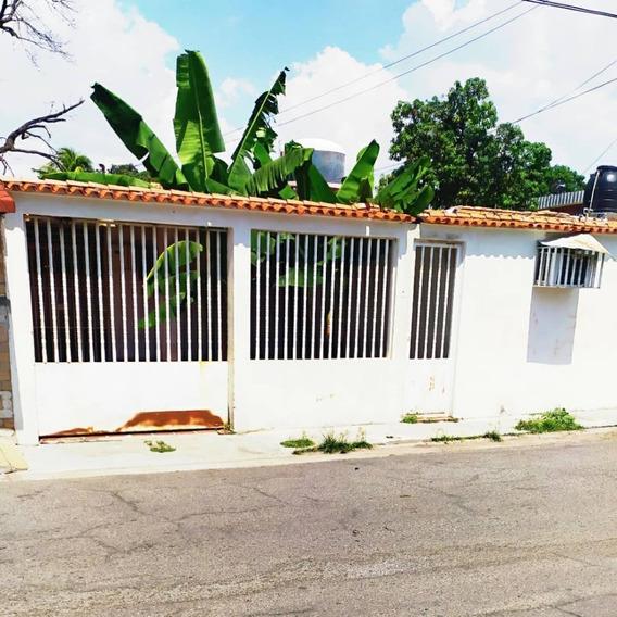 Casa En Venta Los Samanes 04128849102