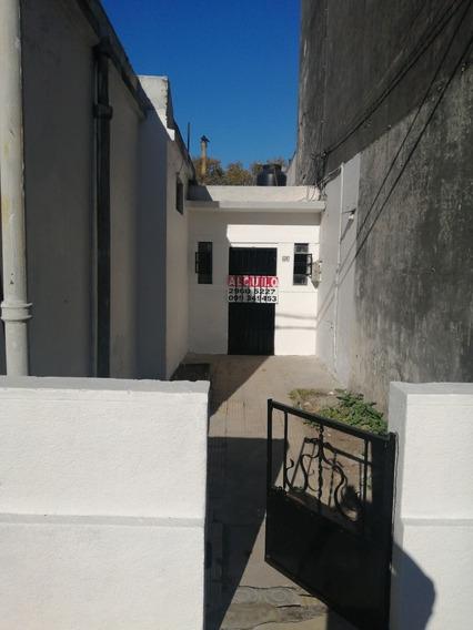 Alquiler De Casa , Muy Buena Ubicación.ex Impasa