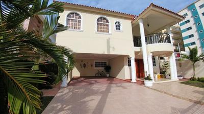 Preciosa Casa De Venta Salida A Santo Domingo