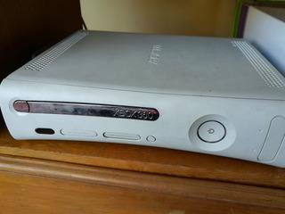 Xbox 360 Arcade No Flasheada Con Joysticks Y Accesorios