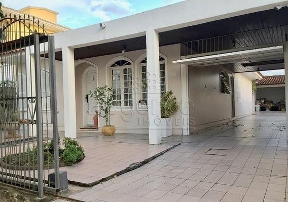 Casa A Venda No Bairro Santa Monica Em Florianopolis - V-77643