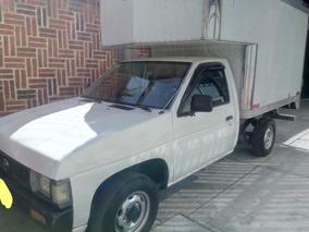 Nissan Pick Up Caja Seca 2002