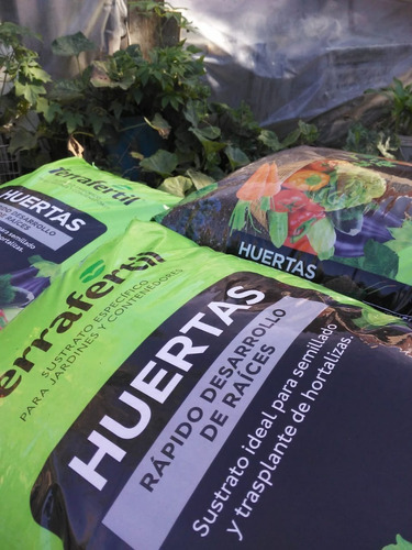 Huerta Sustrato Especial Terraferti 50 Lts