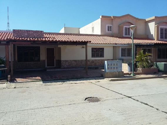 Comoda Casa En Alquiler En La Picola