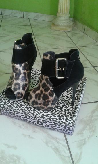 Sapato Estilo Botinha