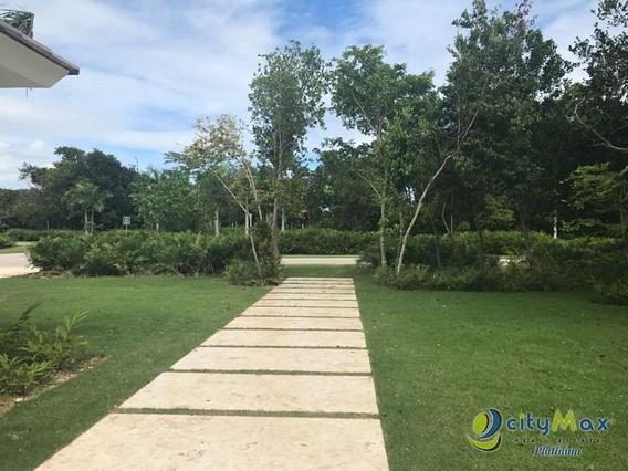 Vendo Lujosa Villa En Bavaro Punta Cana